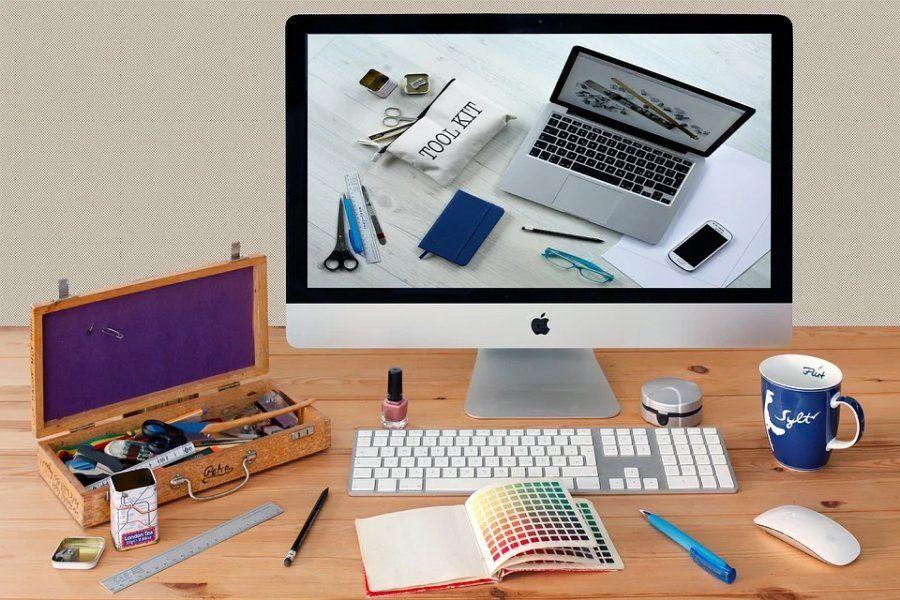Công cụ thiết kế vật lý: bút, giấy, bảng, phần mềm thiết kế đồ họa